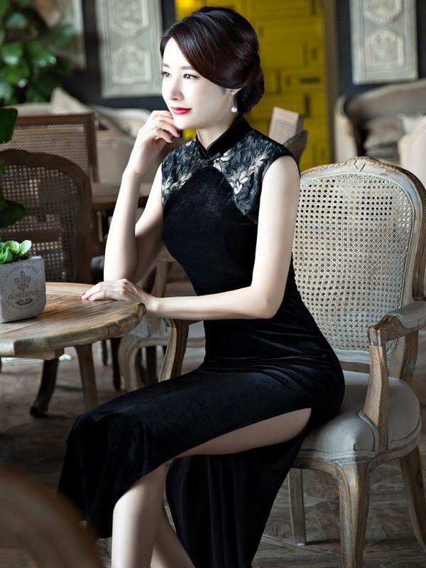 Black Velour Ankle-Length Qipao / Cheongsam Dress with Split
