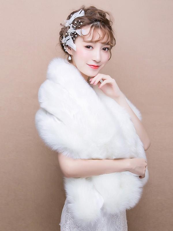 White Faux Fur Bridal Wrap Shawls