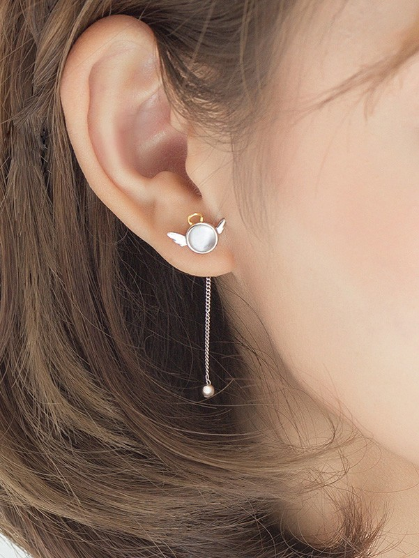 Angle Silver Chain Pearl Stud Earring