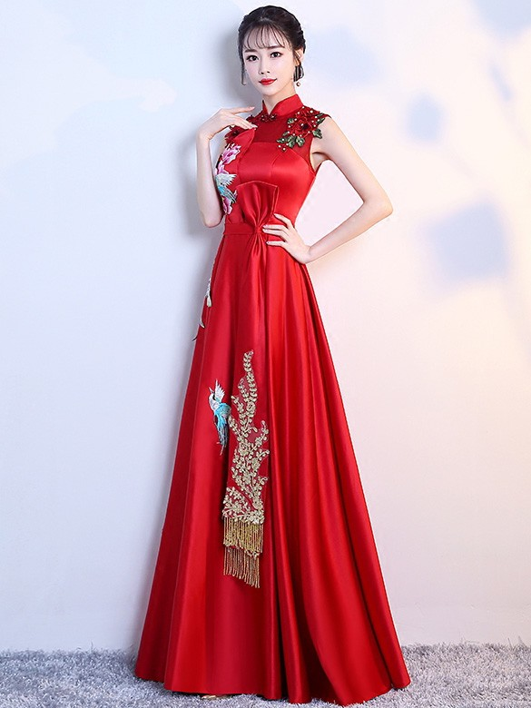 Red Embroidered Maternity Brides Qipao / Cheongsam Wedding Gown