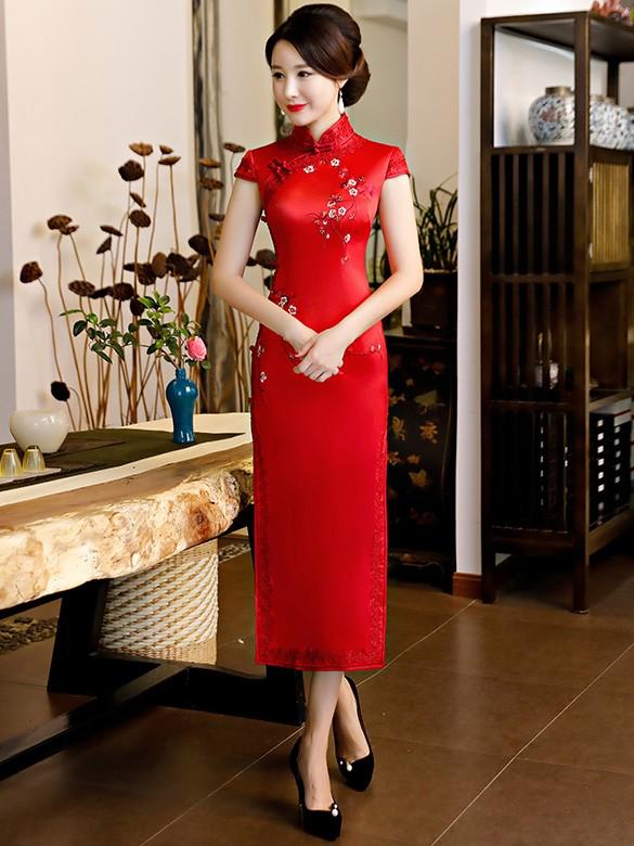 Red Embroidered Long Qipao / Cheongsam Wedding Dress