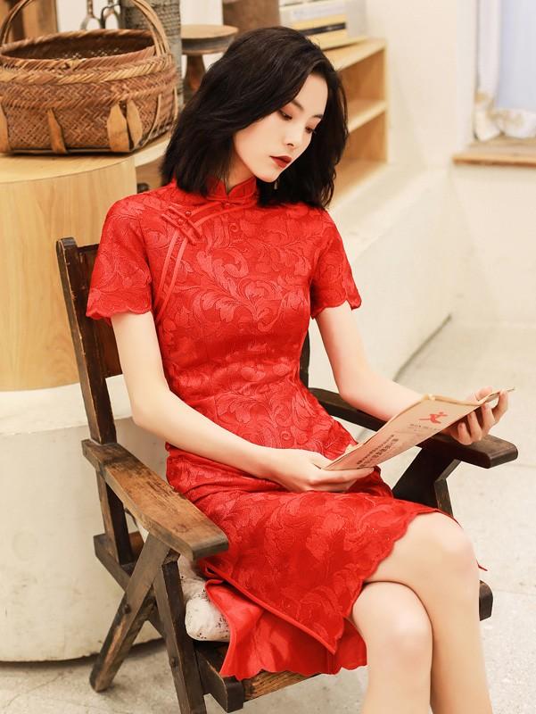 Red Lace Knee Length Modern Qipao / Cheongsam Dress