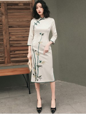 Embroidered Bamboo White Midi Cheongsam / Qipao Dress