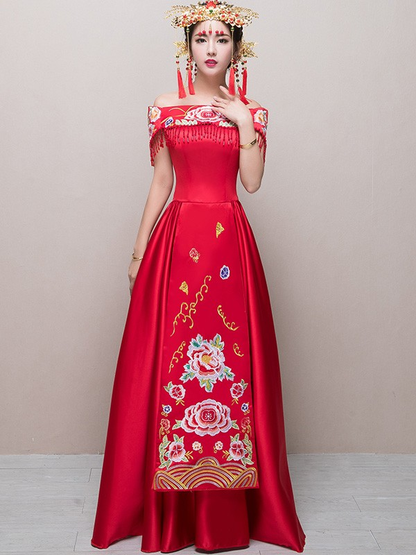 Off-Shoulder Embroidered Cheongsam Wedding Dress with Maxi Skirt