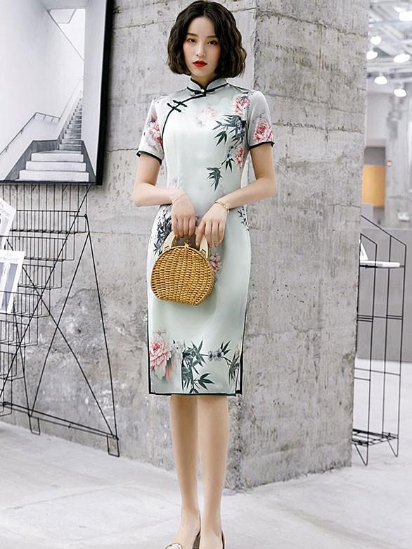 2020 Summer Floral Modern Cheongsam / Qipao Dress