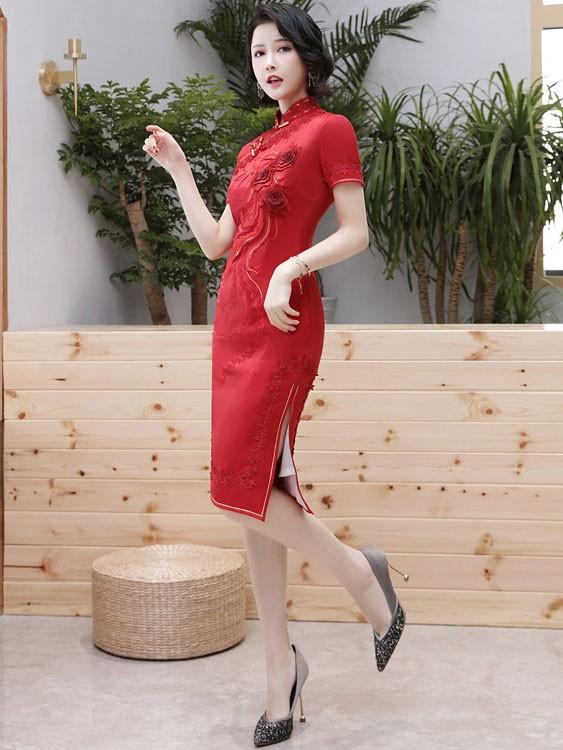 2020 Red Embroidered Wedding Cheongsam / Qipao Dress