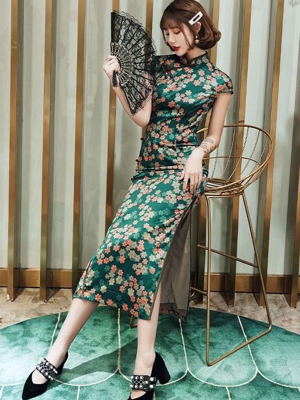 Green Floral Long Modern Cheongsam / Qipao Party Dress