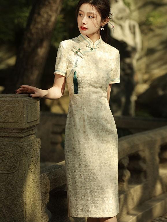 2021 Summer Beige Lace Short Qipao / Cheongsam Dress