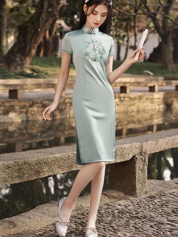Green Embroidered Midi Qipao / Cheongsam Dress
