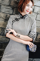 Half Sleeve Grid Midi Qipao / Cheongsam Dress