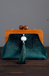 Green Velvet Chain Wood Handle Clutch Bag