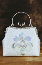 Embroidered White Chain Cross Shoulder Handbag