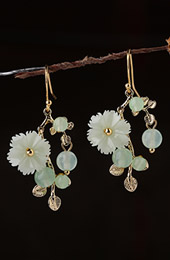 Green Jade Petals Drop Dangle Pierced Clip On Earrings