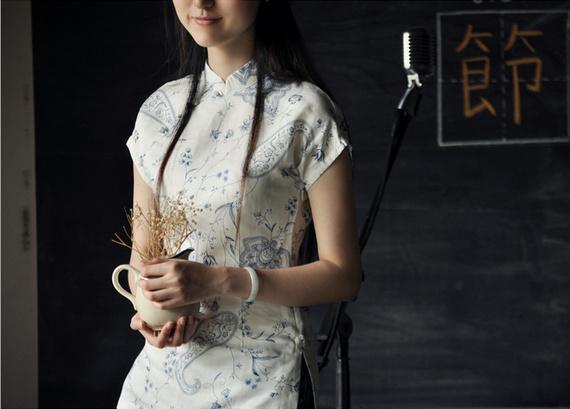 White Floral Short Sleeve Chinese Qipao / Cheongsam Shirt