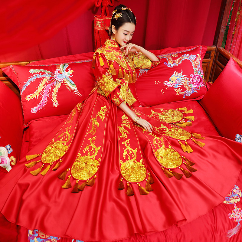 Red Tassel Wedding Qun Kwa with Phoenix & Floral Embroidery