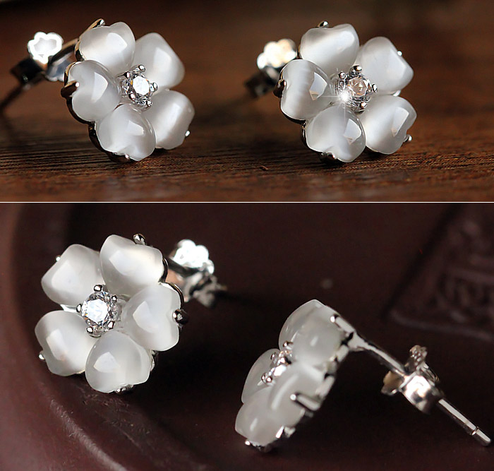 White Crystal Opal Silver Flower Stud Earrings