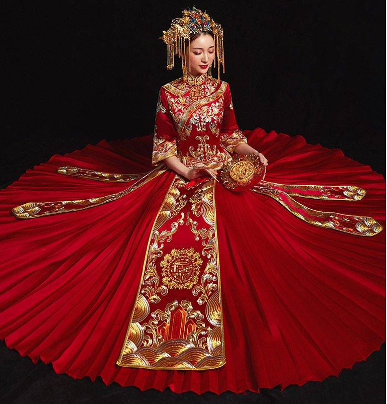 Red Embroidered Wedding Qun Kwa with Pleated Skirt