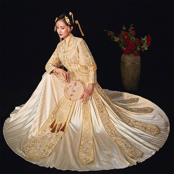 Beaded Gold Embroidered Wedding Qun Kwa Jacket & Skirt